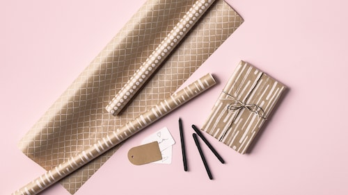 Wrapping paper, gift bags & accessories