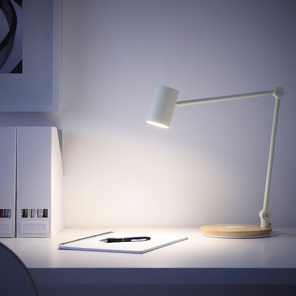 RIGGAD LED work lamp w wireless charging, white