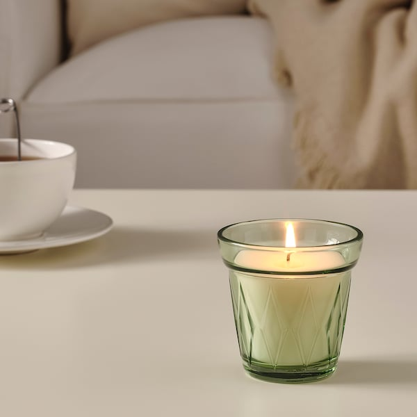 VÄLDOFT Scented candle in glass, Morning dew/light green, 8 cm