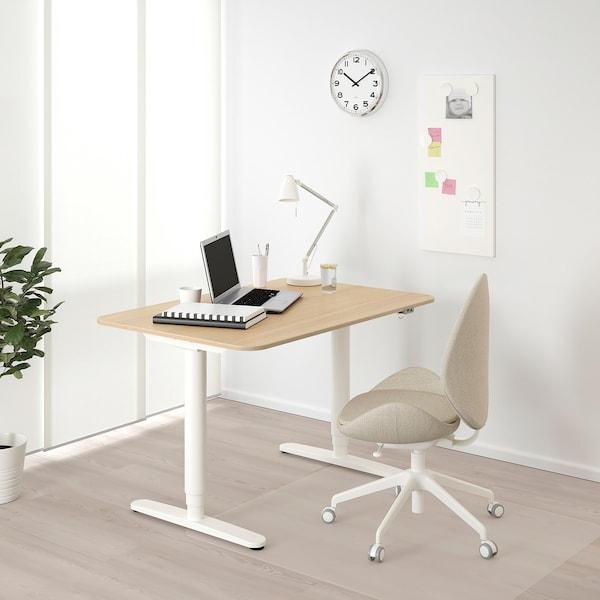 贝肯特 坐/站两用式办公桌 白色橡木贴面/白色 120 厘米 80 厘米 65 厘米 125 厘米 70 公斤
