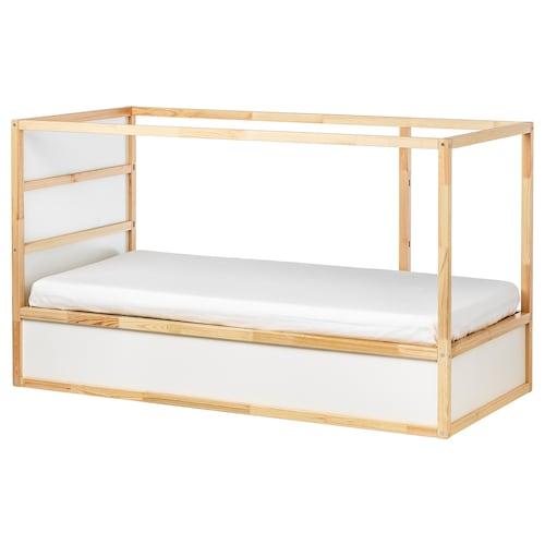 库拉 两用床 白色/松木 209 厘米 99 厘米 116 厘米 83 厘米 100 公斤 200 厘米 90 厘米 12 厘米