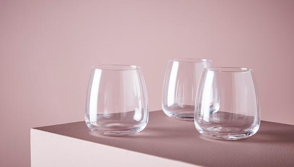 玻璃器皿和水壶
