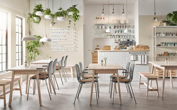 咖啡馆桌子