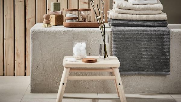 浴室脚凳和长凳