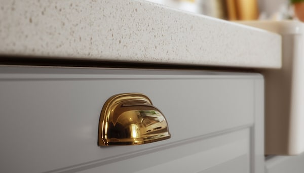 Knobs handles