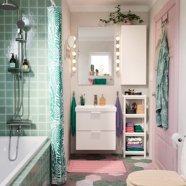 Bubbly And Storage Friendly Bathroom