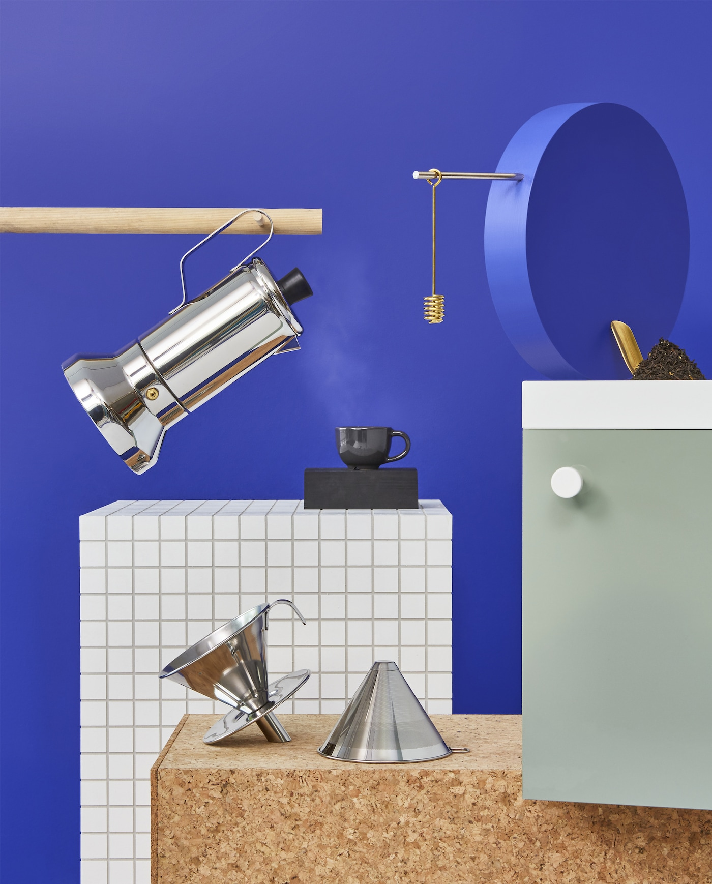 Be your own barista with the new coffee and tea products in stainless steel at IKEA.