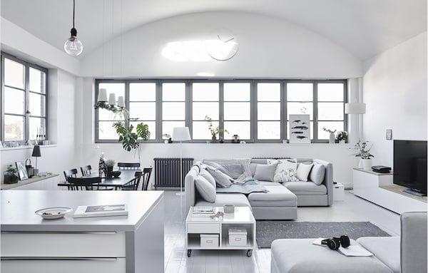 Fiona的斯堪的纳维亚风极简客厅。
