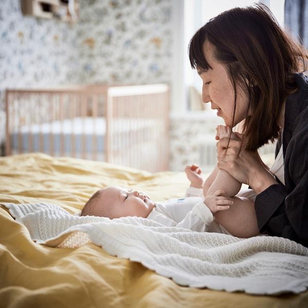 关于婴儿、睡眠和相关家具和纺织品的建议和信息。