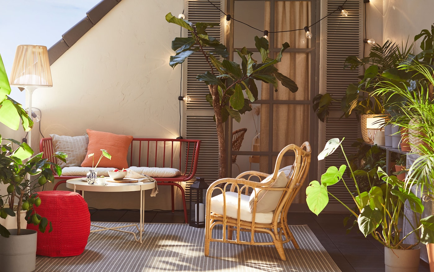 IKEA BRUSEN red 3-seat outdoor sofa is durable and easy to care for since it's made of powder-coated steel. Combine with chair cushions and decorative cushions for extra comfort.