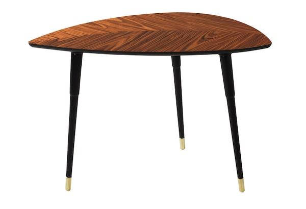 LÖVBACKEN 罗贝肯 复刻了1956年宜家出售的 LÖVET 拉维德 桌子。LÖVET 拉维德 是我们第一款平板包装出售的产品。