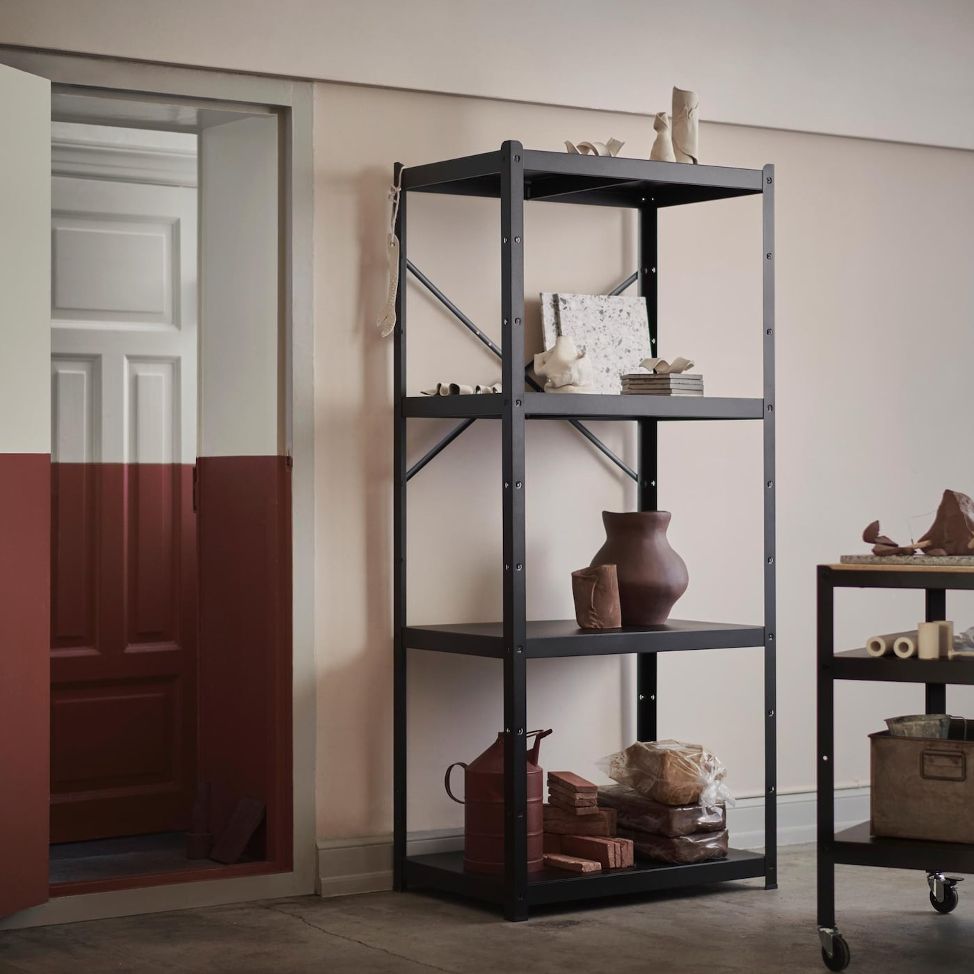 Made in black metal, the BROR series has a stylish and sturdy industrial design. The shelves, cabinet and trolley will keep things tidy in the garage, hobby area or anywhere in your home.