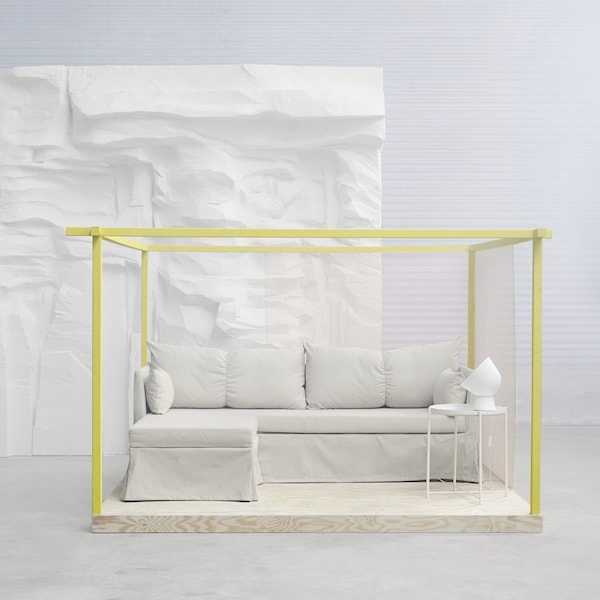 The neat IKEA SANDBACKEN corner sofa-bed is available in a beige or light grey cover. Thanks to its knockdown construction, the light-weight sofa is easy to take home and assemble or dismantle.
