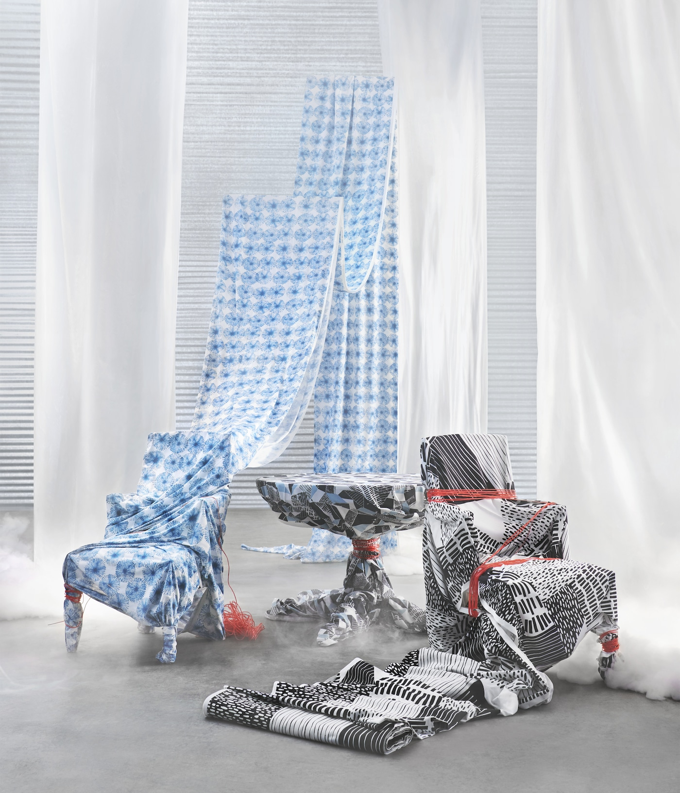 The new IKEA fabrics open up a whole new world of possibilities for creating anything from curtains to making art! The fabrics come in black and white graphic patterns or blue flower pattern. All made of 100% cotton from more sustainable sources.