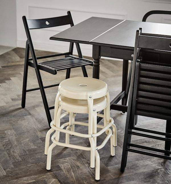 为款待客人打造一个可以坐下来的空间。