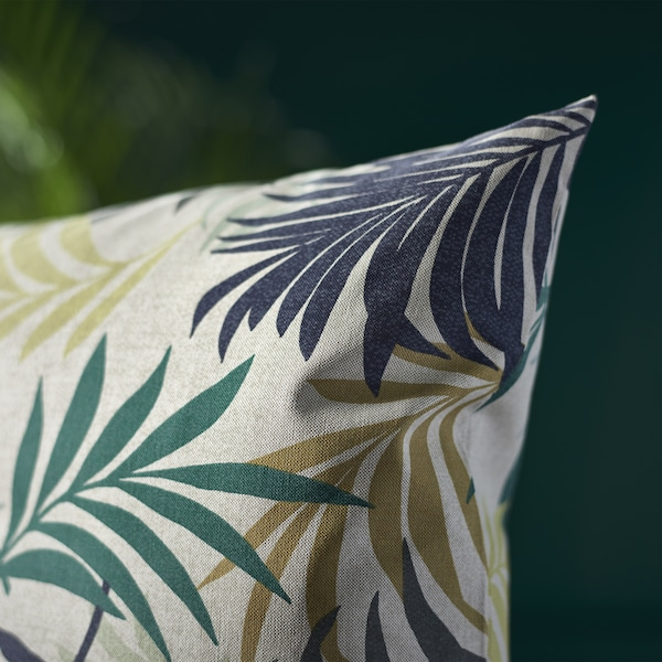 With a colourful leaf pattern, let IKEA GILLHOV cushion cover in soft cotton give your sofa a tropical touch.