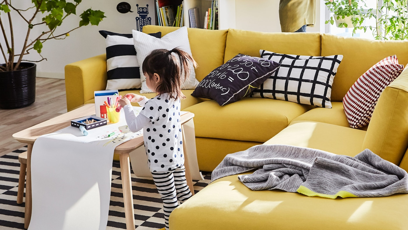宜家 VIMLE 维姆勒 黄色三人沙发舒适无比,为客厅增添一丝阳光的味道。
