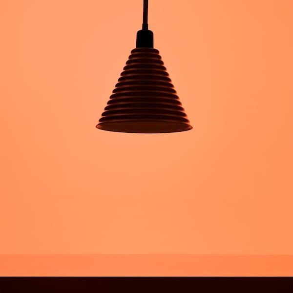 宜家为庆祝成立75周年,10月推出 - 来自上世纪70-80年代 GRATULERA 格拉图列拉 系列的彩色灯具。