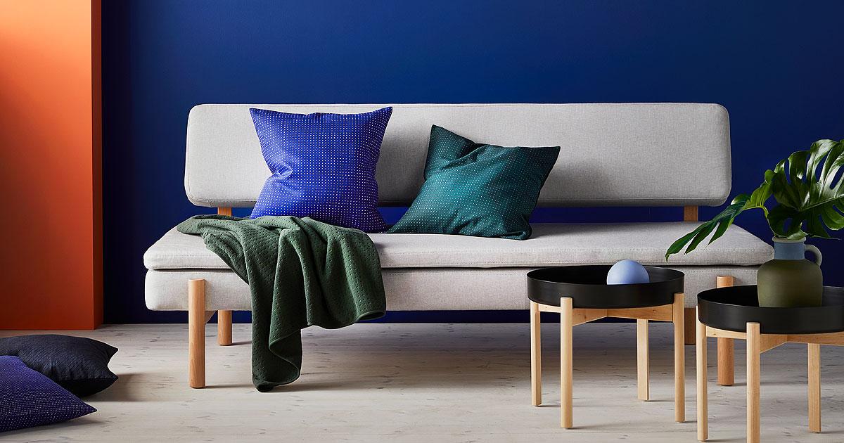 宜家携手HAY共同推出现代感十足的茶几、沙发、靠垫、纺织品、椅子、配件和众多经典的家具产品。
