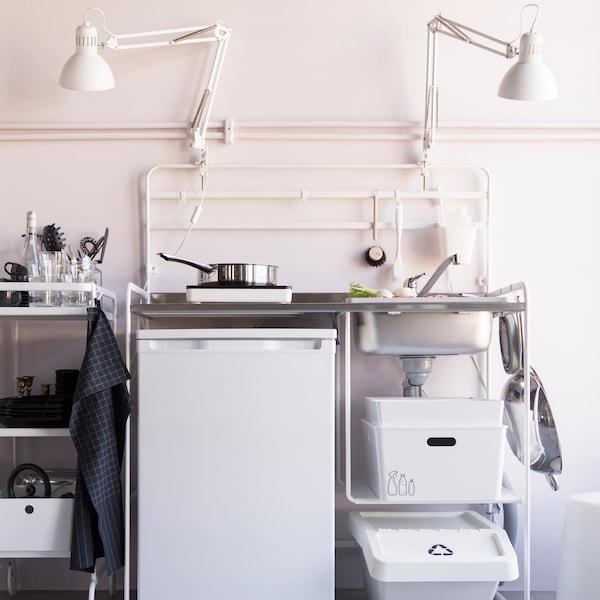 易于装卸的厨房。