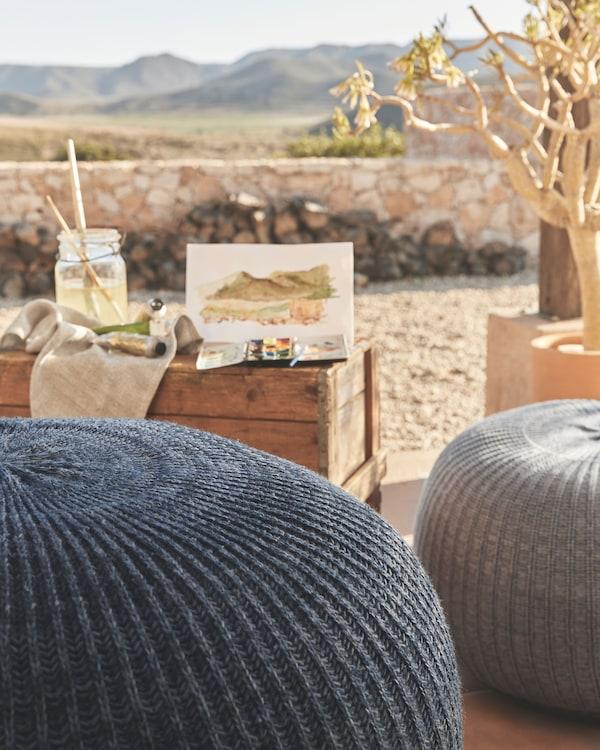 用 SANDARED 桑德利 编织矮凳为房间增添舒适、温馨的感觉,可以把它当做装饰性的临时座椅,或者漂亮的脚凳。