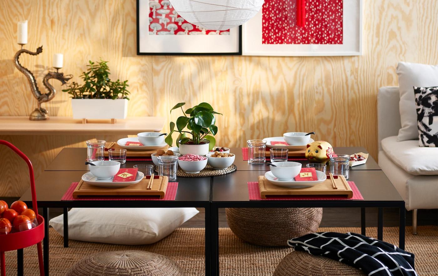 用一些 RIMFORSA 雷弗萨 竹制砧板布置桌子,营造氛围。